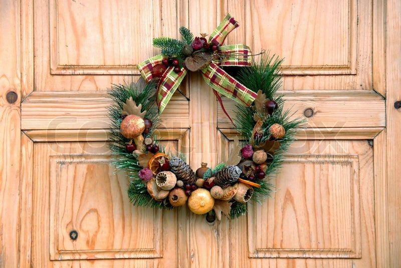 Венок новогодний для двери своими руками 617