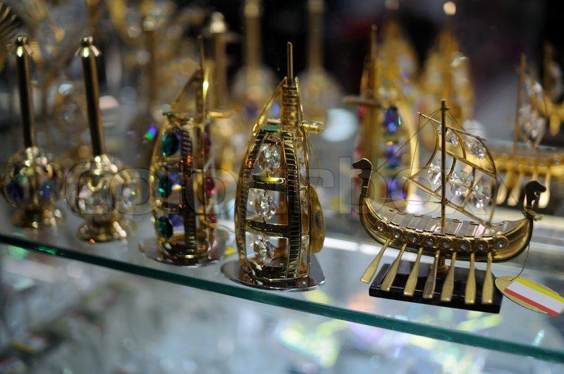 Showcase Your Souvenirs recommend