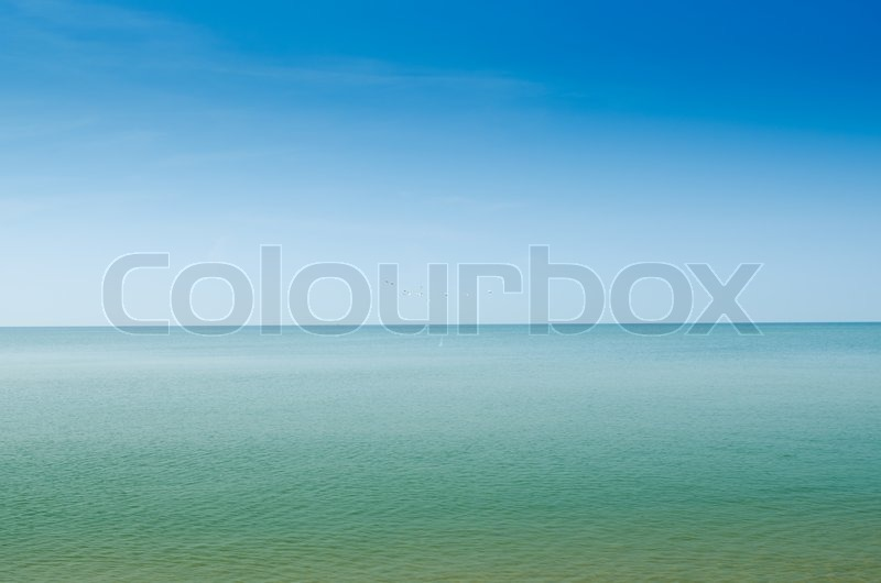 Summer landscape with sea and horizon over water, stock photo