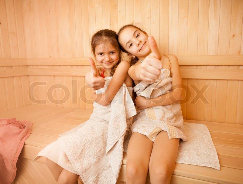 sklavenaufgaben nackte mädchen in sauna