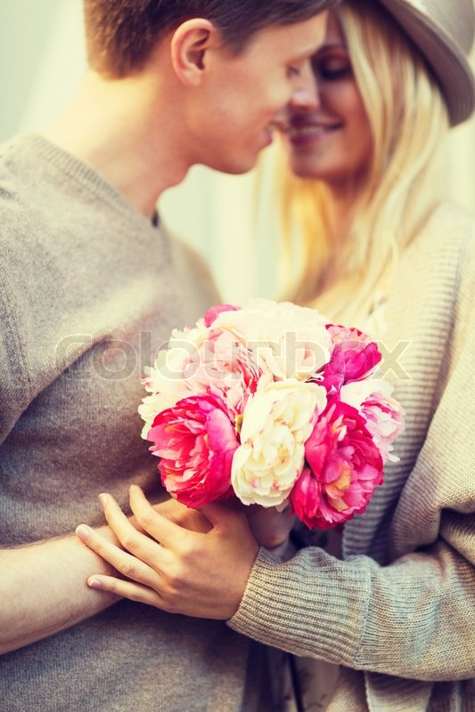 Фото пара в цветах