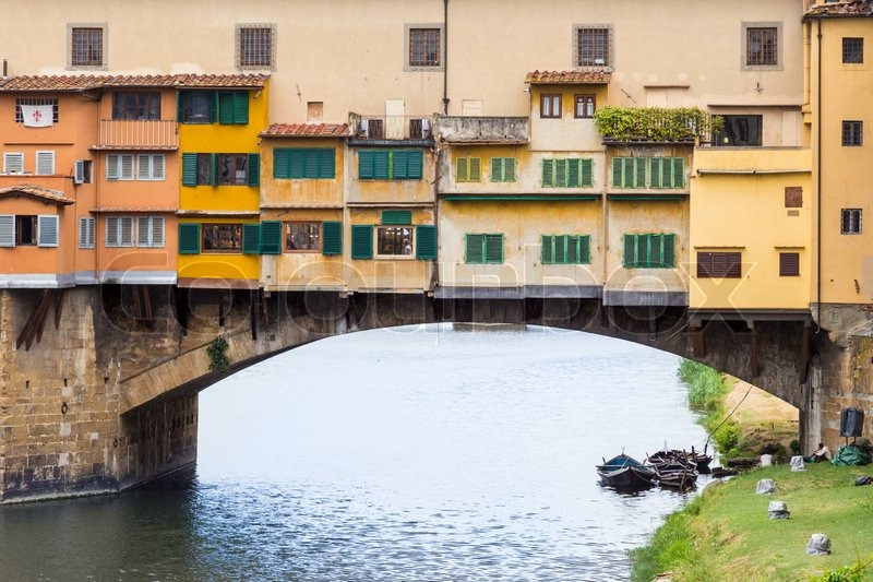 Stock image of 'Ponte Vecchio over Arno river in Florence, Italy.'