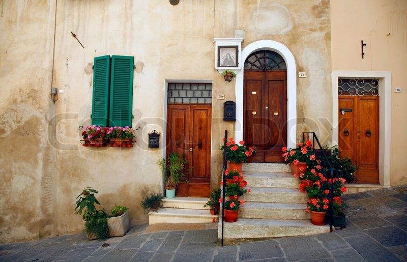 sch ne t ren montepulciano toskana italien stockfoto colourbox. Black Bedroom Furniture Sets. Home Design Ideas