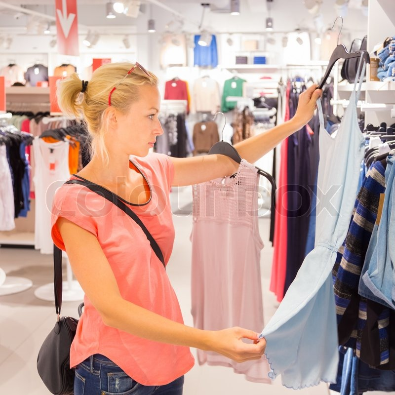 comparing online and in store shopping A custom comparison essay example comparing shopping at the mall to online shopping shopping: at the mall vs on setting up a physical store.