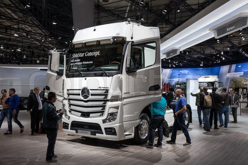 mercedes benz actros 1863 ls truck at the 65th iaa. Black Bedroom Furniture Sets. Home Design Ideas