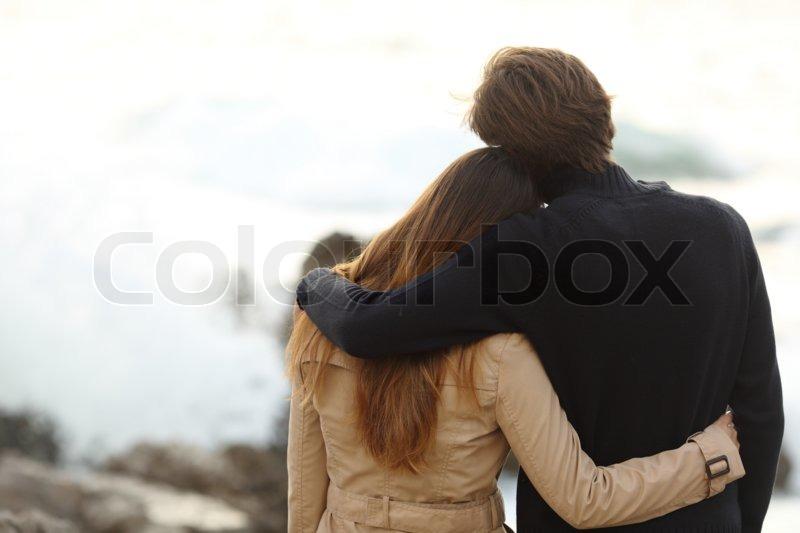 фото красивой женщины и мужчины со спины