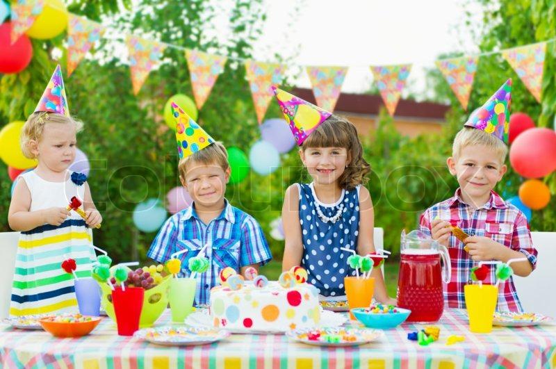 Лучший детский праздник день рождения аниматоры для детей Площадь Юности