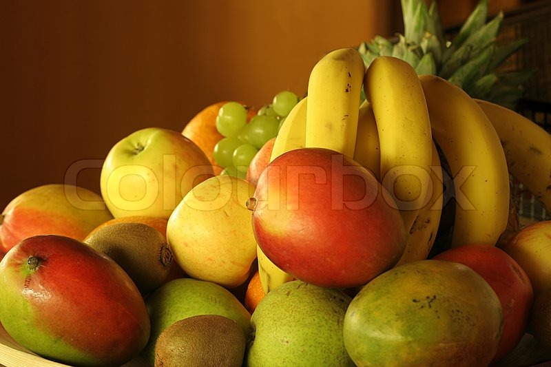 Stock image of 'Fruits on a plate'