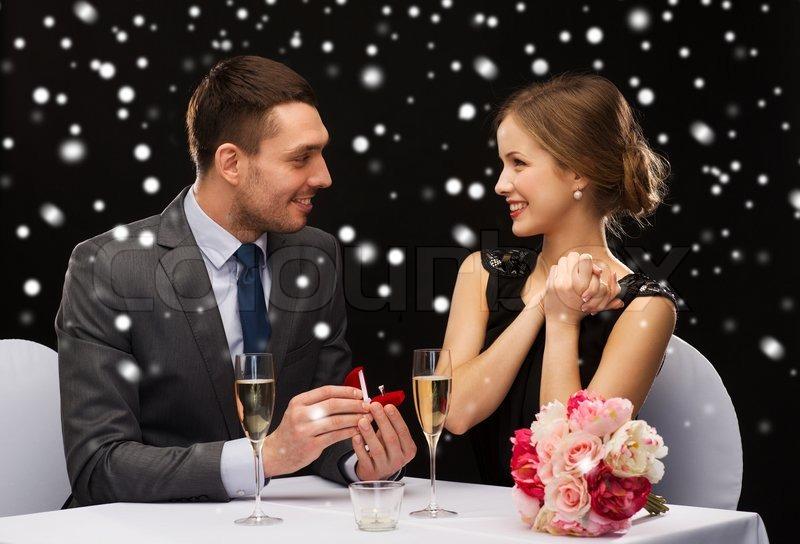 Как сделать предложение девушке в ресторане
