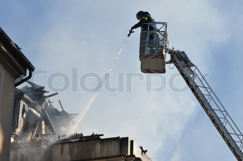 Stock image of \'fire, building, firemen\'