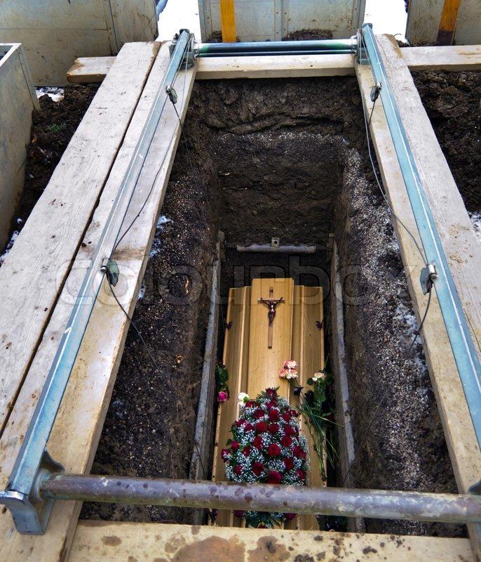 Grab Abräumen Nach Beerdigung