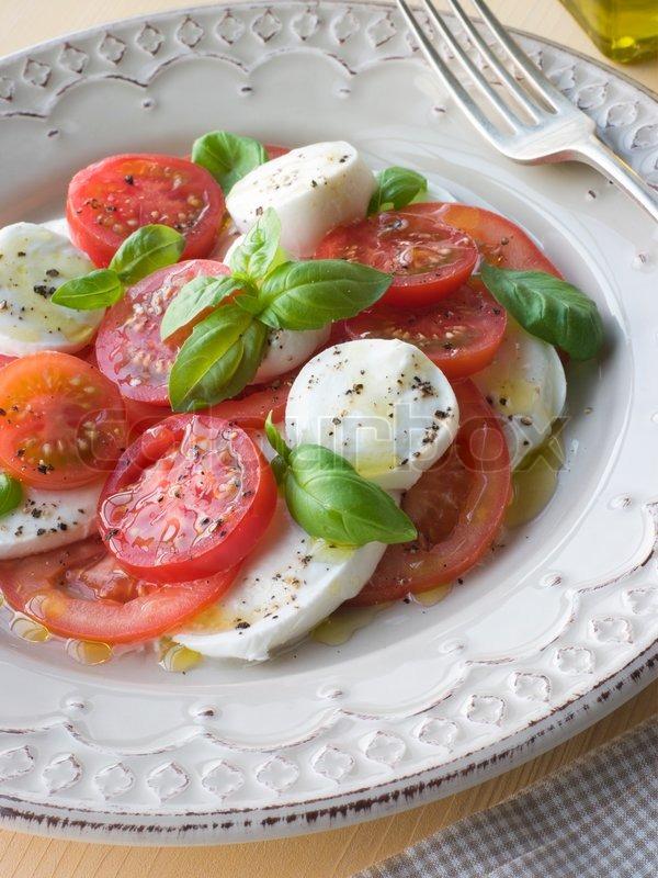 mozzarella ost og tomater