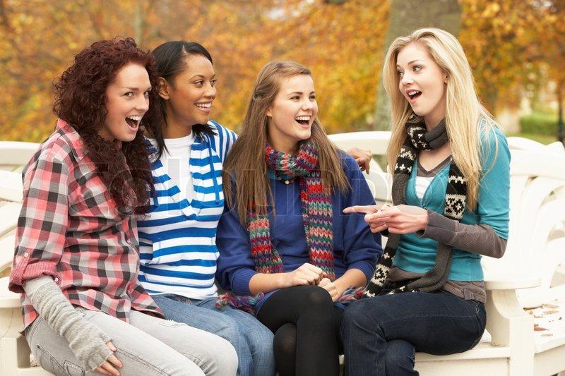 Vier Reizende Teens Und Eine Lesbenshow