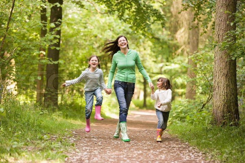 Stock foto af 'børn, foråret, skov'