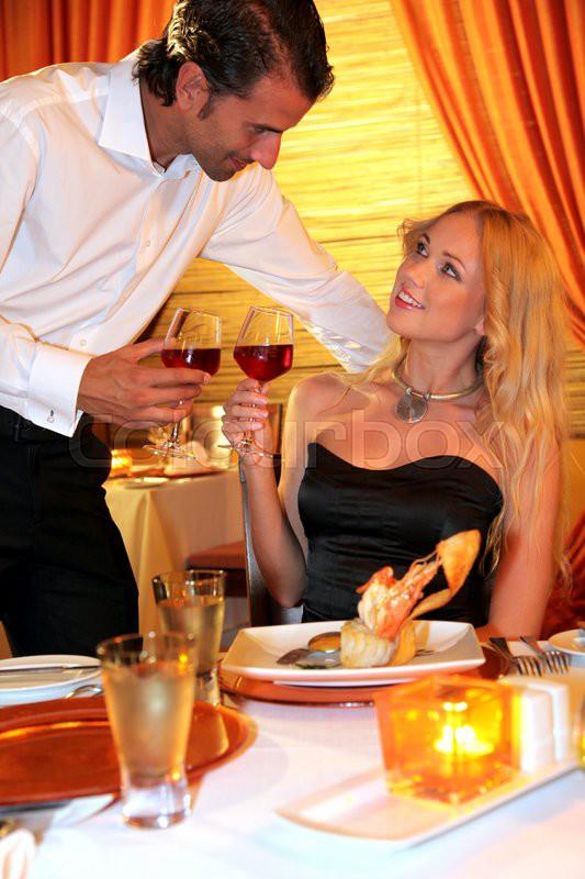Жену вдвоем в ресторане лучшее онлайн, преступный соблазн порнофильм с русским переводом