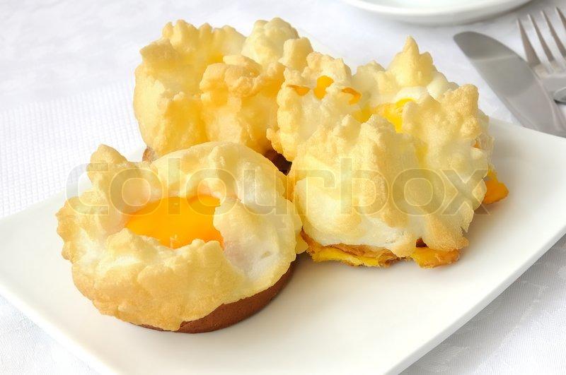 Выпечка из желтков яиц рецепт с фото