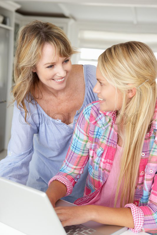 Учит трахатся мать видео сына