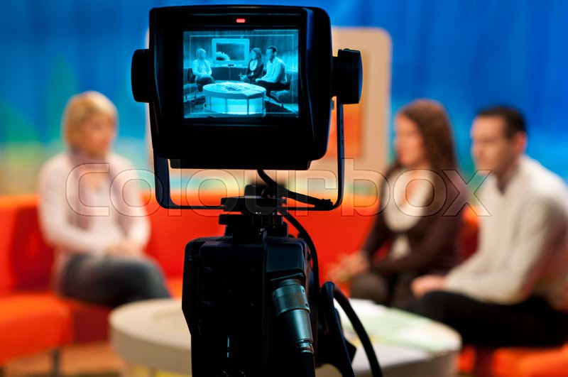 Video camera viewfinder recording show in tv studio for Camera it web tv