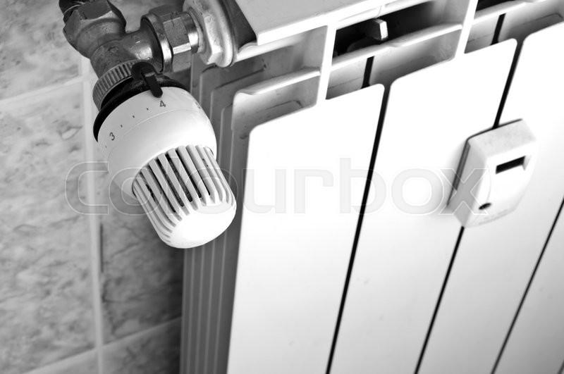 how to close radiator valve