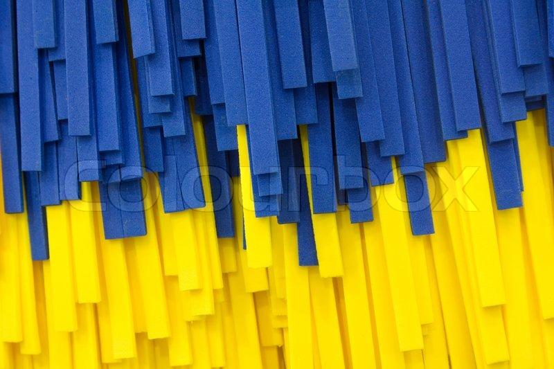 nahaufnahme blau und gelb auto waschb rste stockfoto colourbox. Black Bedroom Furniture Sets. Home Design Ideas