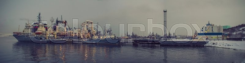 Stock image of 'North port in winter'