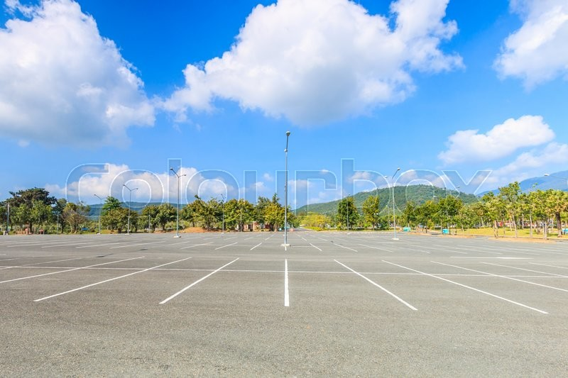 Stock image of 'Empty parking lot'
