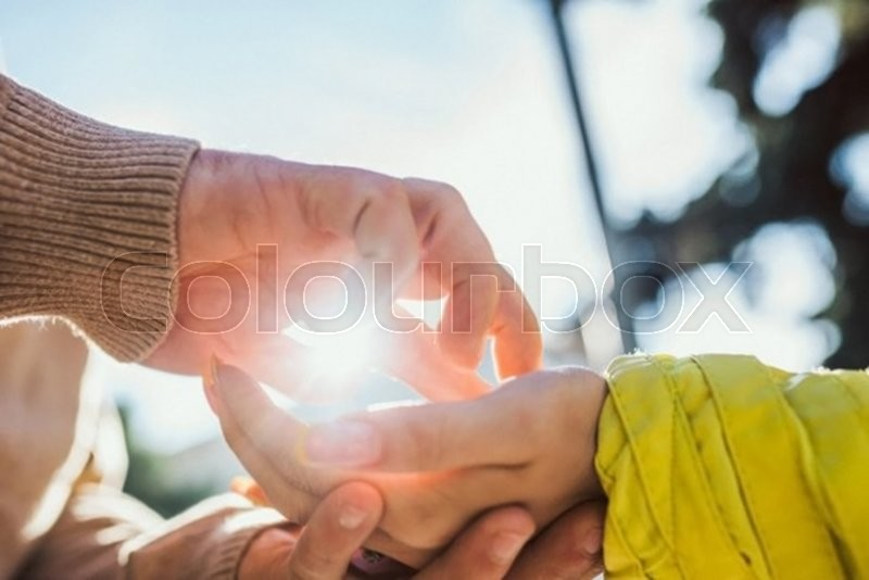 Stock image of 'Couple hands'