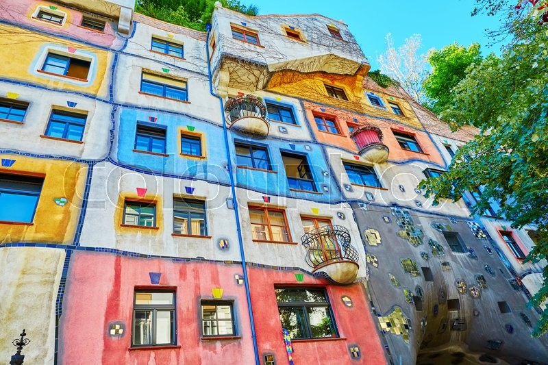 Stock image of 'Scenic view of Hundertwasser house in Vienna, Austria'