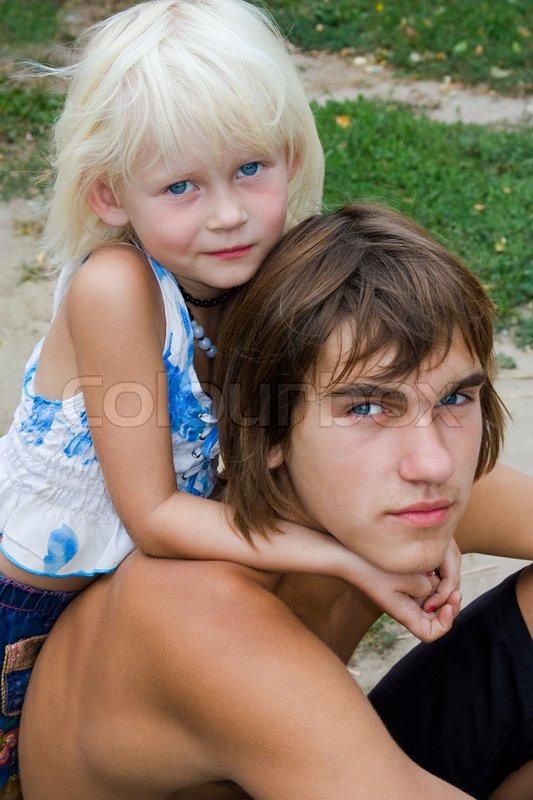 Секс брата с сестрой блондинкой 9 фотография