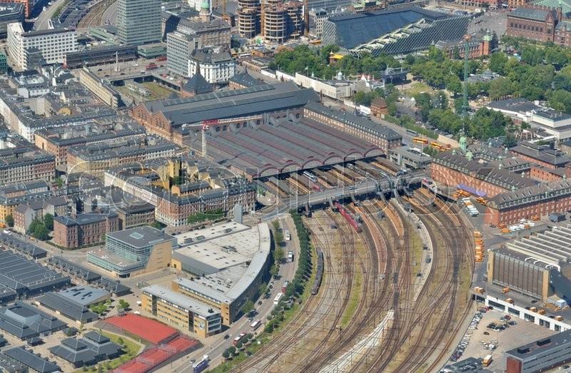 Hovedbaneg rden i k benhavn set fra luften stock foto for Dsb landscape architects