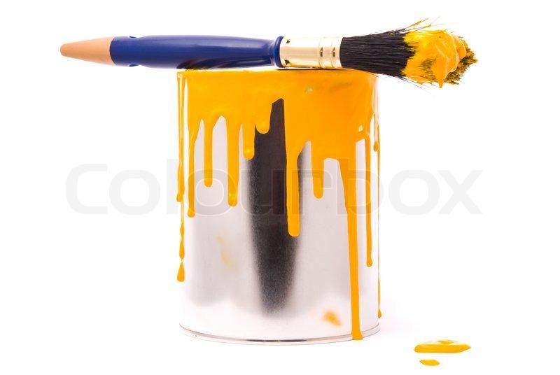 kann der gelben farbe und pinsel profi auf einem wei en stockfoto colourbox. Black Bedroom Furniture Sets. Home Design Ideas