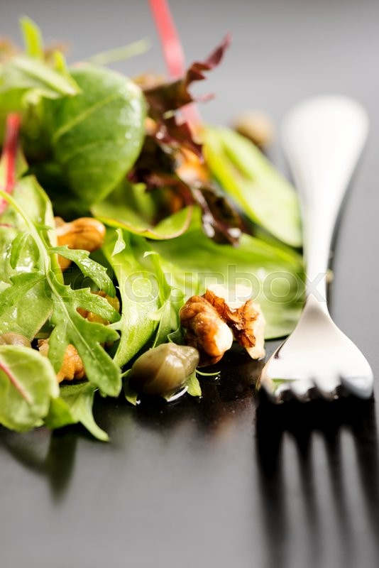 how to keep spring mix lettuce fresh