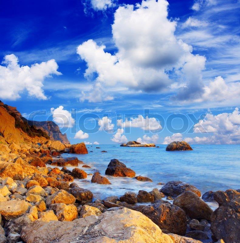 Sch ner meer und wolken himmel mit sonne stockfoto - Schoner wohnen farbe lagune ...