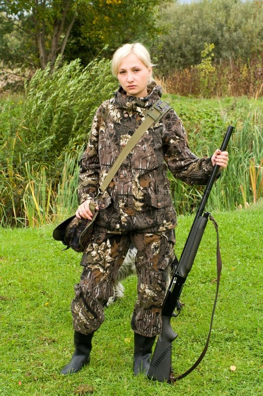 blonde-girl-in-camo