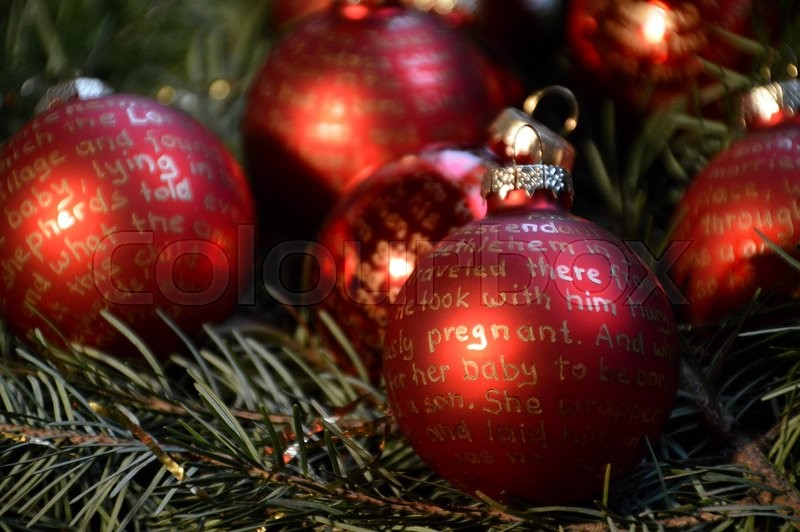 Dunkelrote Christbaumkugeln.Rote Christbaumkugeln Mit Goldener Stock Bild Colourbox