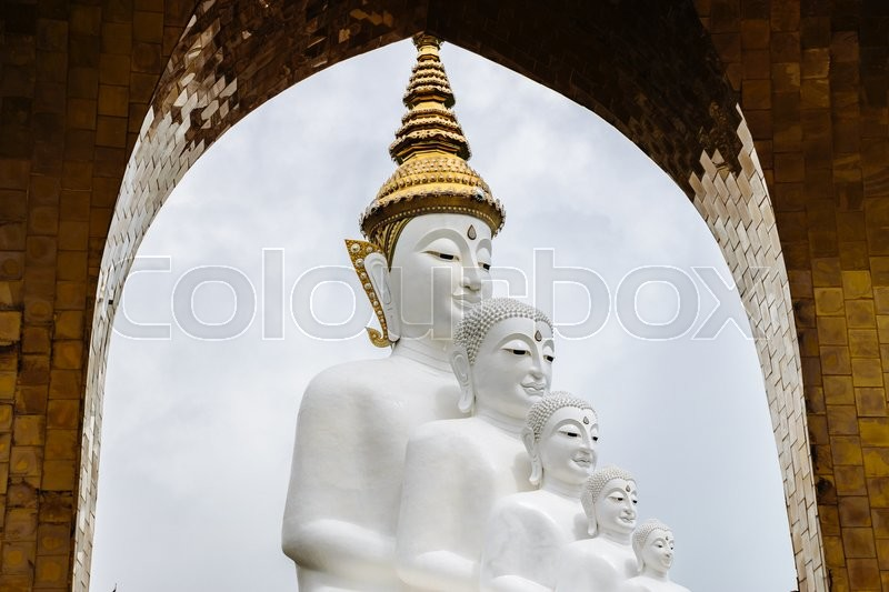 White Buddha Statue with arch frame at Phasornkaew Temple, Khao Kho ...