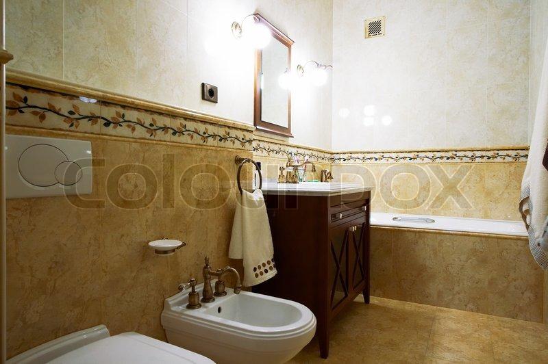 rengøring af marmor badeværelse