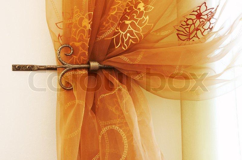 Sch ne und moderne vorh nge mit einem ornament stockfoto - Schone vorhange ...