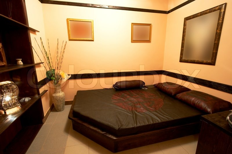 schlafzimmer im japanischen stil in modernen hotels | stockfoto, Schlafzimmer entwurf