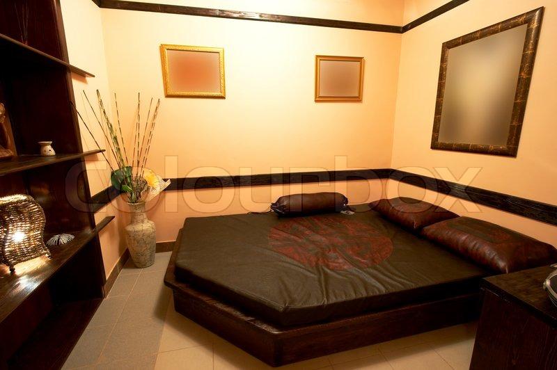 schlafzimmer im japanischen stil in modernen hotels stock foto colourbox. Black Bedroom Furniture Sets. Home Design Ideas