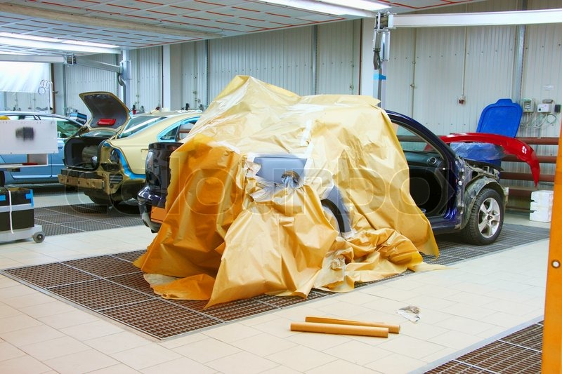 The Image Of Cars Stand Under Repair In Body Shop Stock