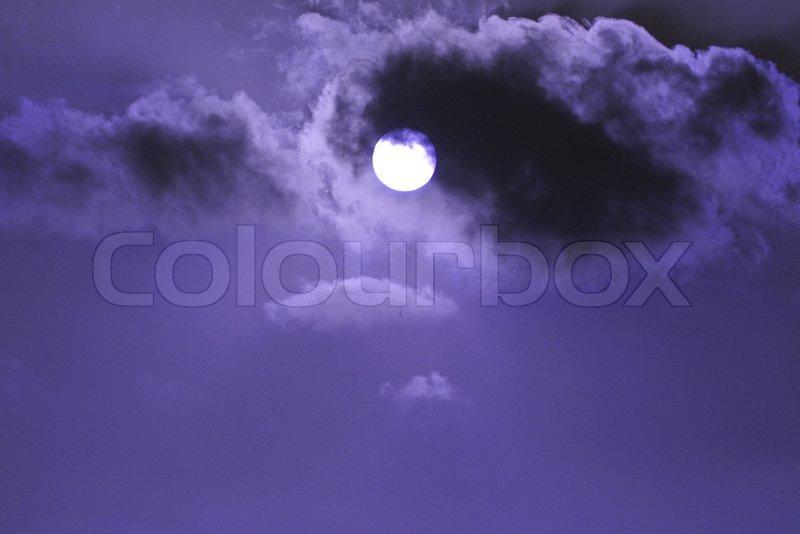 Sky cloud and sun: sun shot through clouds, stock photo