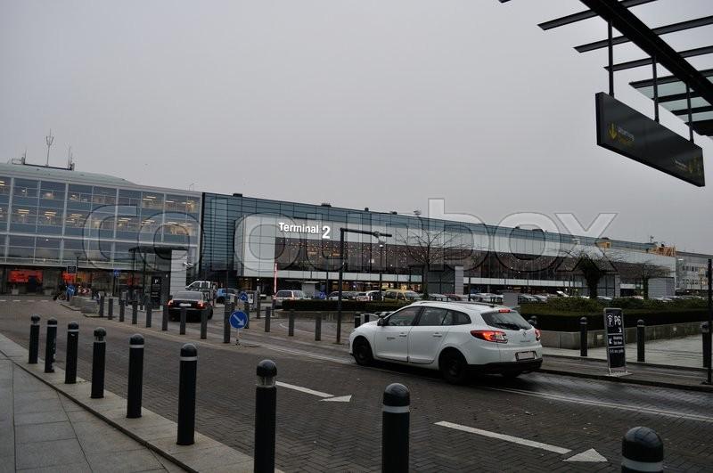 Københavns Lufthavn Terminal 2 drop off parkeringspladser | stock foto | Colourbox