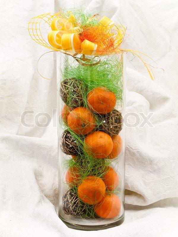 new year orange mandarinen dekoration in vase mit goldenen stock foto. Black Bedroom Furniture Sets. Home Design Ideas