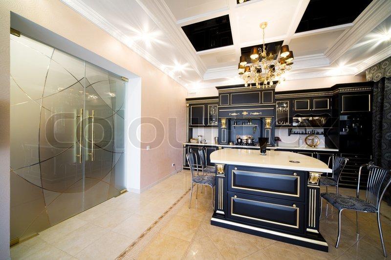 Schöne Moderne Küchen große glastüren auf schöne moderne küche | stockfoto | colourbox