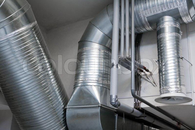 System Der L 252 Ftungsrohre In Einer Modernen Fabrik
