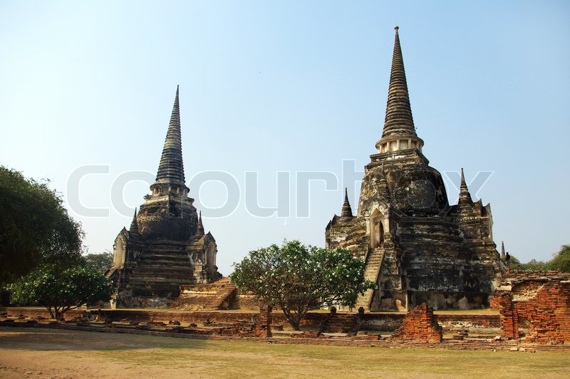alte buddhistische tempel in ayutthaya der ehemaligen hauptstadt von thailand stockfoto. Black Bedroom Furniture Sets. Home Design Ideas