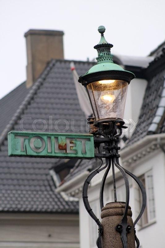 Kendte Skilt til toilet på gammel lampe I | Stock foto | Colourbox KM-52