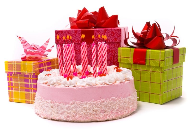 pink torte mit zehn kerzen und geschenke in schachteln auf. Black Bedroom Furniture Sets. Home Design Ideas