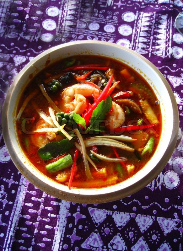 tom yum suppe eine thai traditionelle w rzige garnelen suppe stockfoto colourbox. Black Bedroom Furniture Sets. Home Design Ideas
